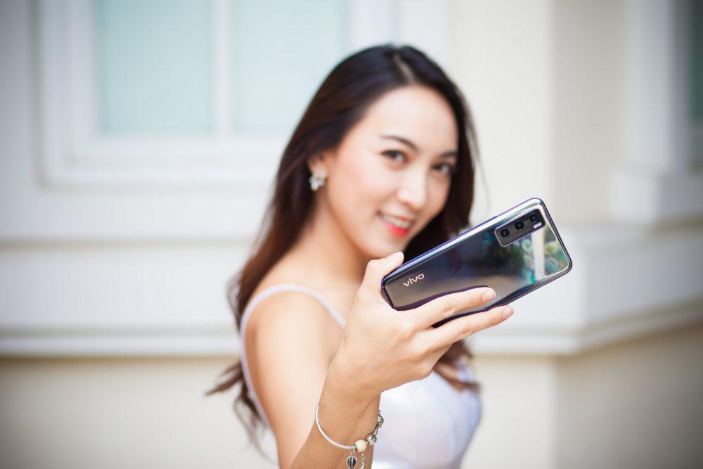 โทรศัพท์ Vivo รุ่น V20 SE