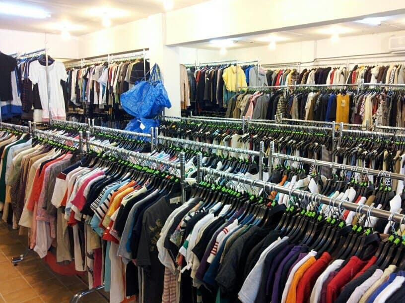 ธุรกิจการขายเสื้อผ้ามือสอง  ธุรกิจการขายเสื้อผ้ามือสอง ในปัจจุบันกำลังได้รับความนิยม