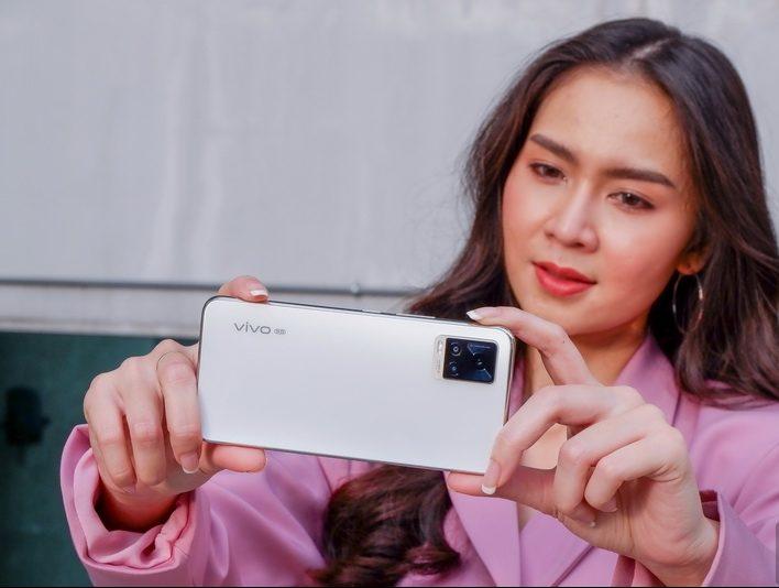 สมาร์ทโฟน Vivo รุ่น V20